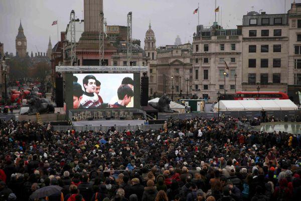 Projekce filmu Klient íránského režiséra Asghara Farhádího na Trafalgarském náměstí