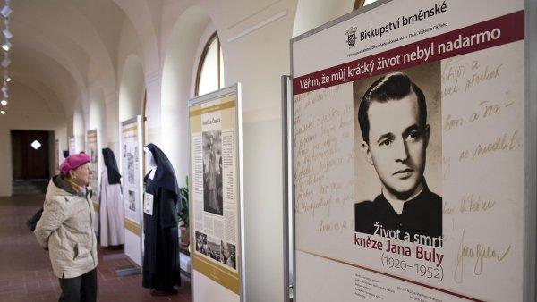 Výstava věnovaná osudu a mučednické smrti kněze Jana Buly byla zahájena v ambitu pražského kláštera Panny Marie Sněžné.