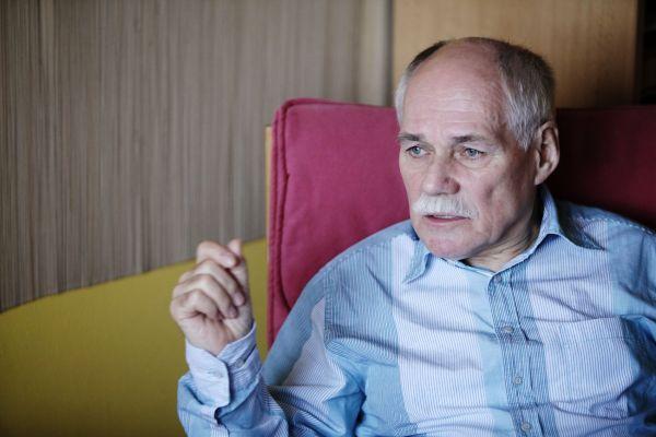 Profesor Bedřich Moldan, ředitel Centra pro otázky životního prostředí UK.