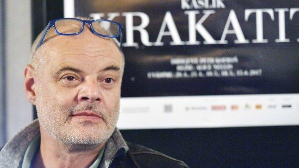 Na snímku ze středeční tiskové konference k premiéře opery Krakatit je umělecký šéf Opery ND Petr Kofroň.