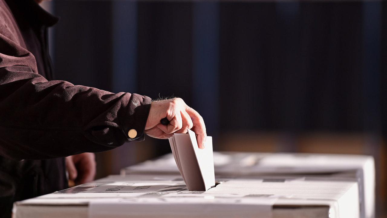 Nejvíce Čechů se politicky řadí mezi pravici, ukázal průzkum CVVM – Ilustrační foto.
