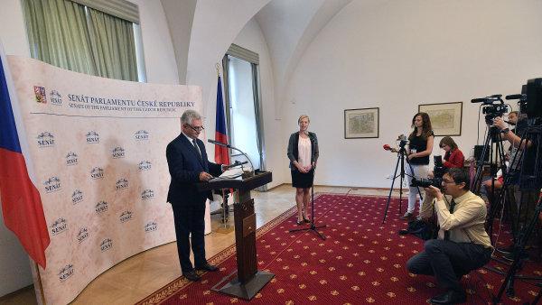Šéf Senátu Milan Štěch vyhlásil volbu prezidenta na 12. a 13. 1. 2018. Podle premiéra Sobotky by kandidátem za ČSSD mohl být právě on.