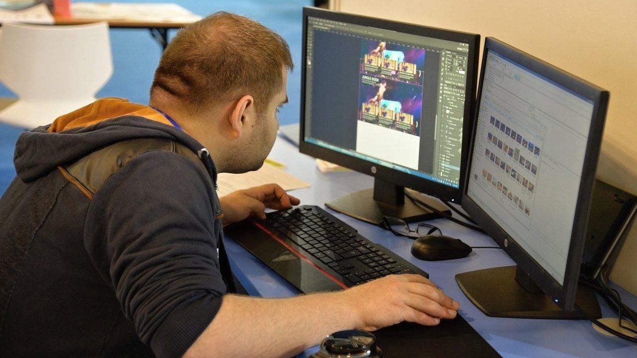 Programátor, ilustrační fotografie
