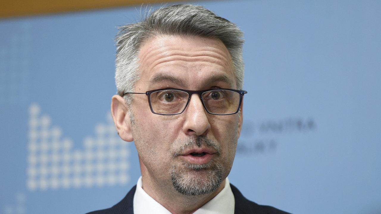 Ministr vnitra Lubomír Metnar nařídil přezkoumání případu zatčeného Kurda Sáliha Muslima.