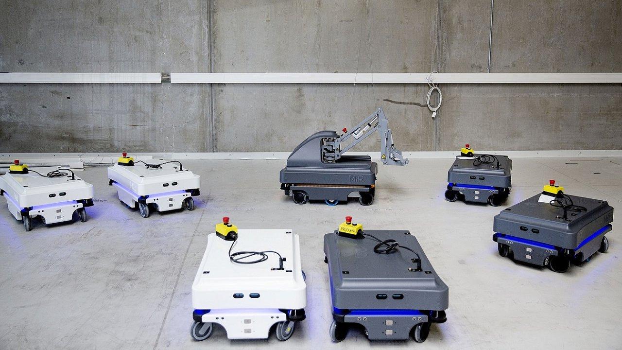 Autonomní mobilní roboty MiR100 a MiR200