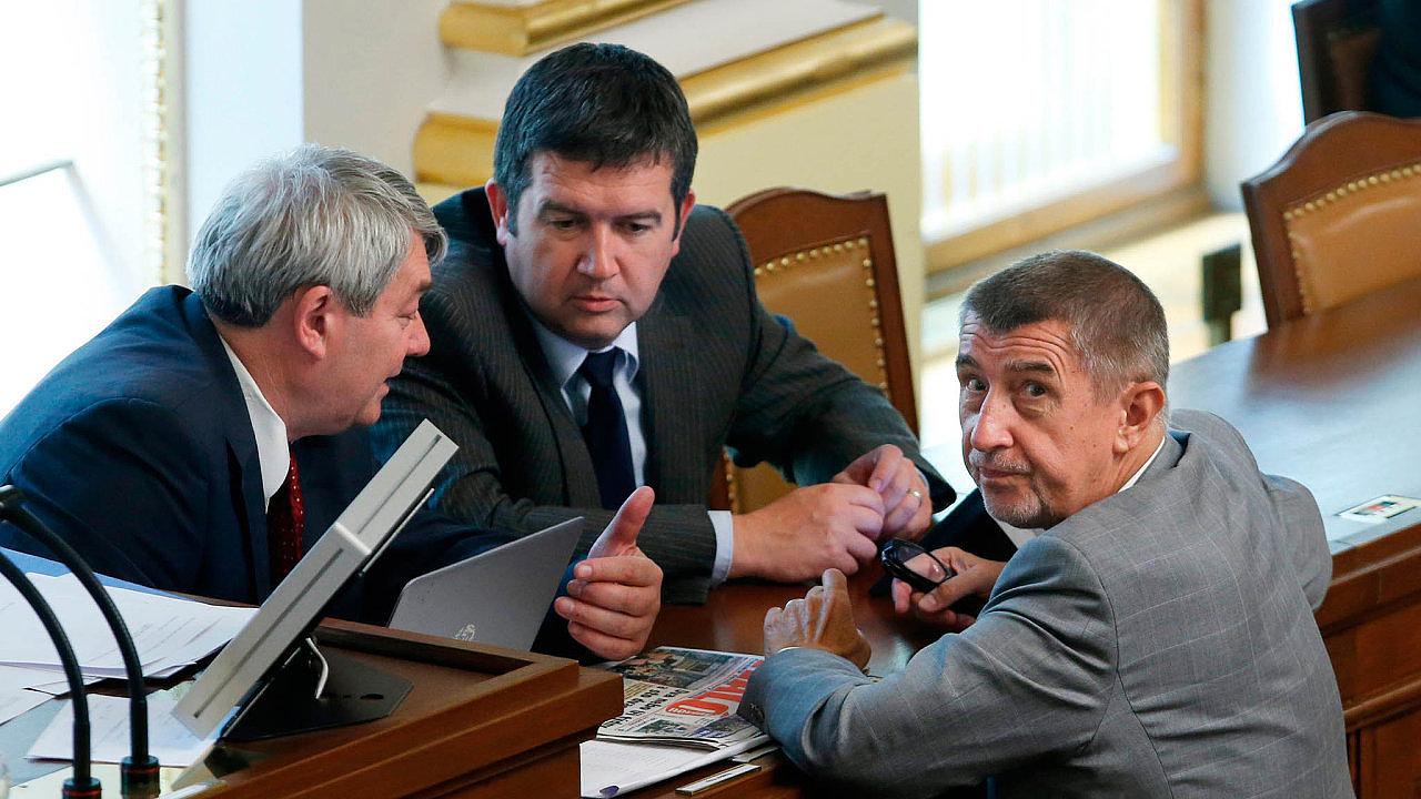 Ve sněmovně změnu opětovně prosadila koalice ANO a ČSSD s pomocí SPD a KSČM.