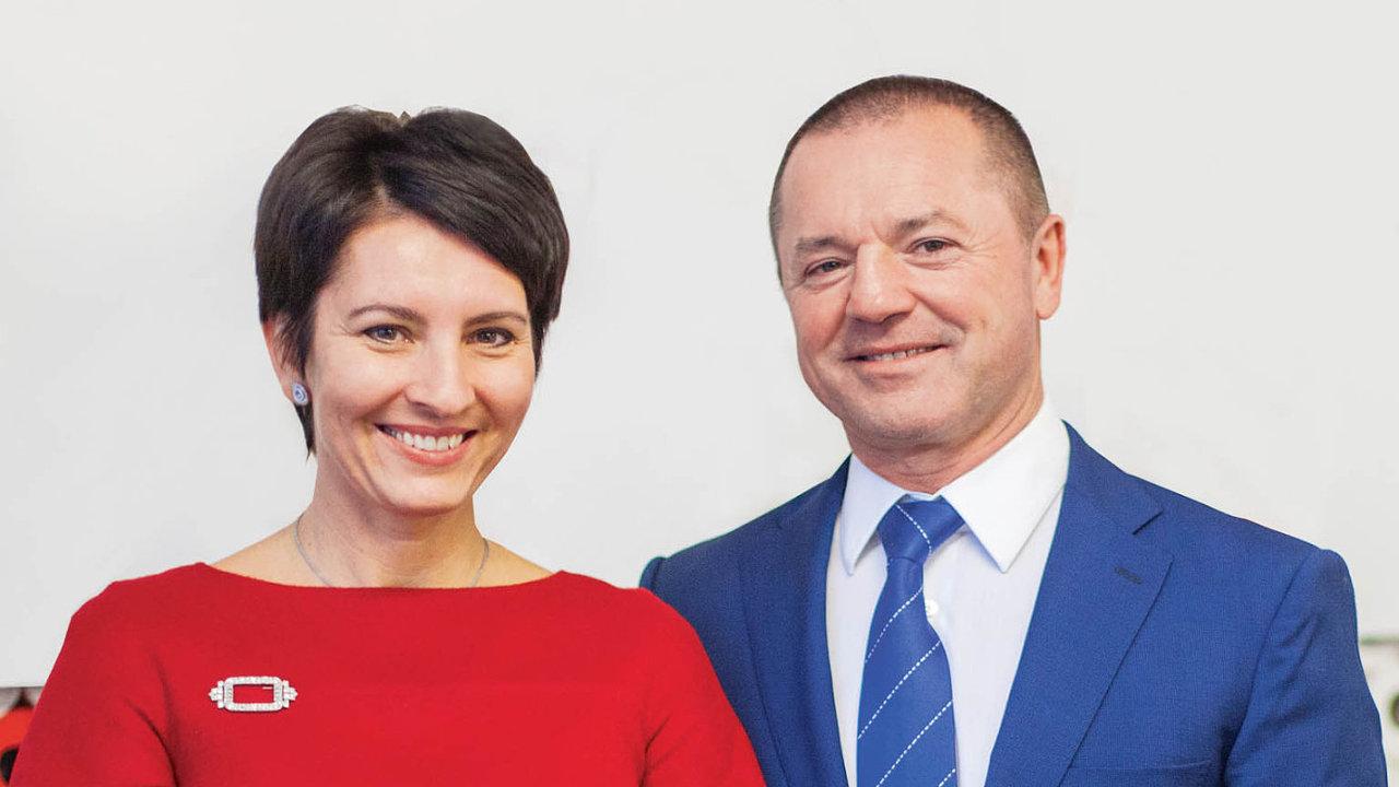 Manželé Radka Prokopová a František Fabičovic, spolumajitelé společnosti Alcaplast