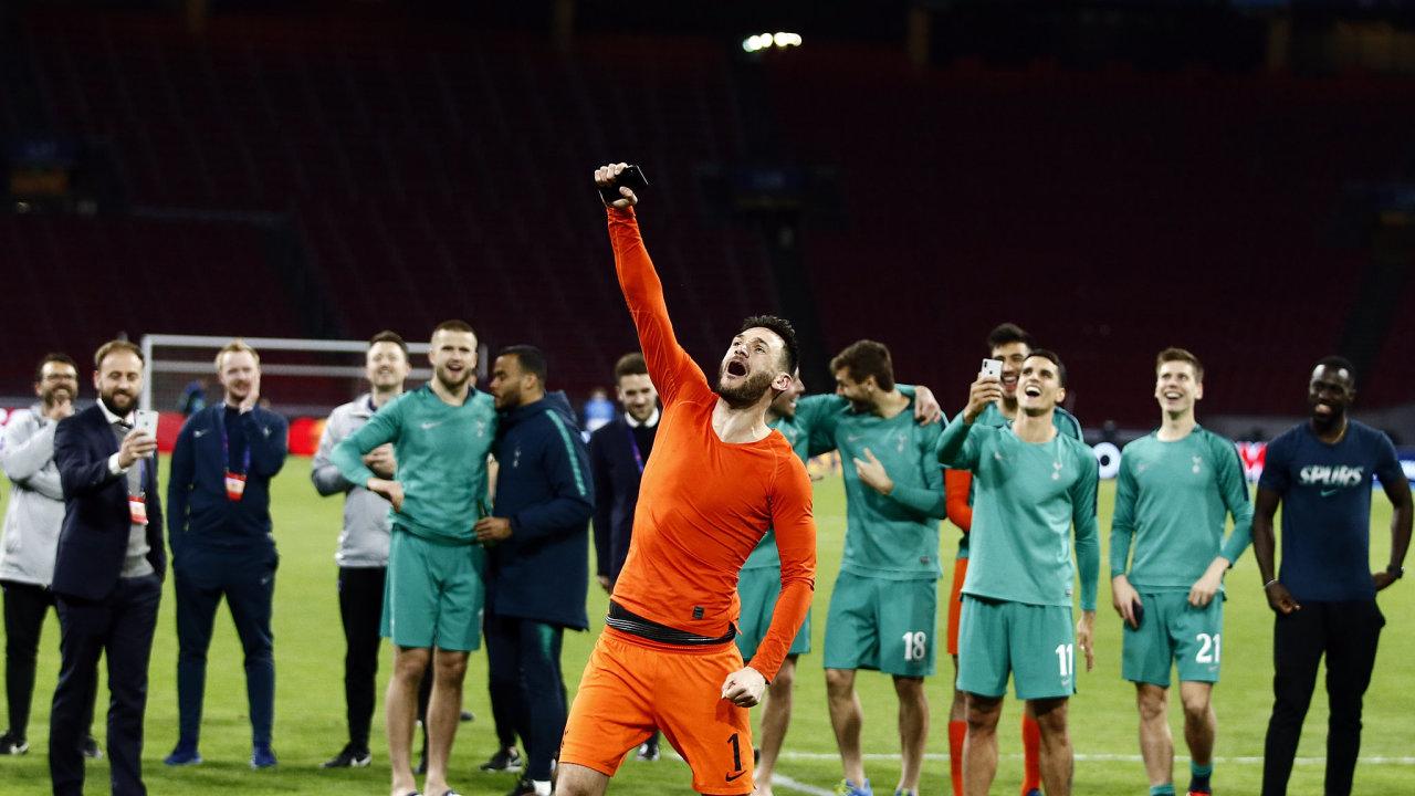 Akcie Ajaxu se propadly o pětinu. Ilustrační foto.