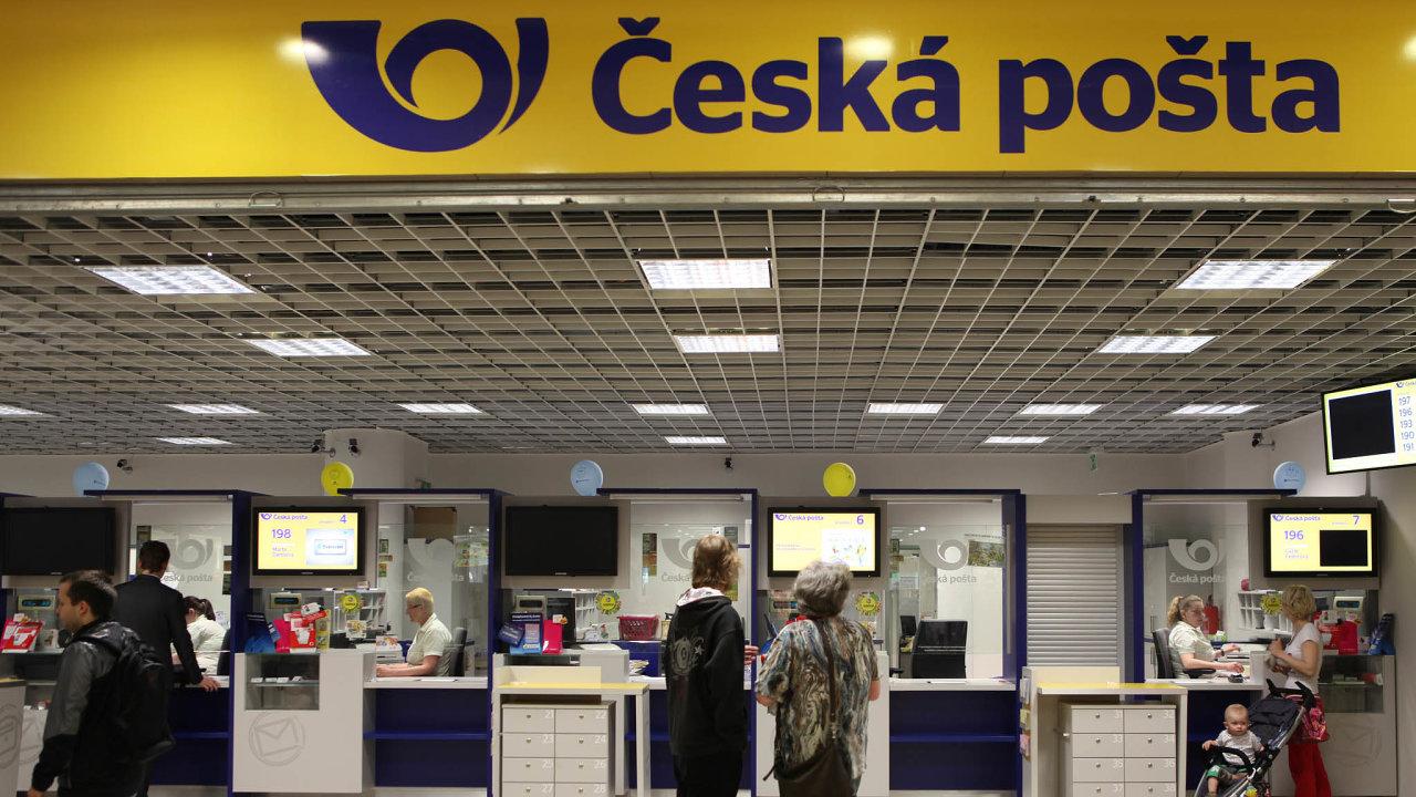 Česká pošta zavádí inovace voblasti náboru. Nově například spustila chatbota, který uchazečům dokáže najít práci podle lokality, vníž bydlí.