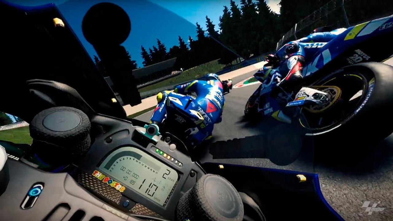 Šampionát silničních motocyklů MotoGP se v době koronavirové pandemie přesunul z reálných okruhů do virtuálního světa.