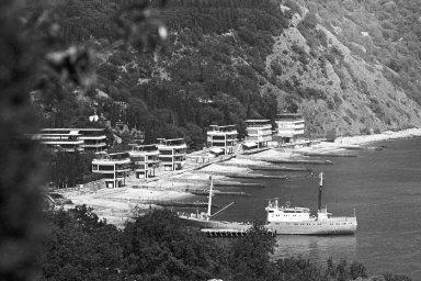 Uzavřený tábor. Také populární pionýrský tábor Artěk se přiepidemii cholery naKrymu ocitl vkaranténní zóně.