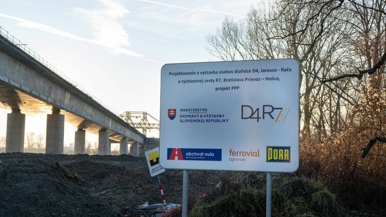 Úleva pro město. Nový obchvat Bratislavy má být napojen na magistrálu Via Carpathia v projektu Trojmoří. Pro dopravu ve slovenské metropoli znamená velkou úlevu.