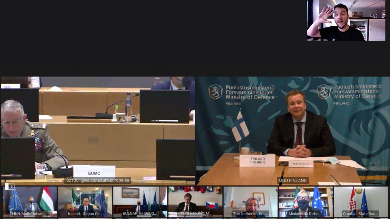Videokonference ministrů obrany EU... a jednoho novináře.