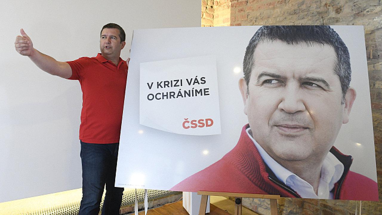 Předseda ČSSD Jan Hamáček vystoupil 17. srpna 2020 v Praze na tiskové konferenci k zahájení volební kampaně ČSSD do zastupitelstev krajů