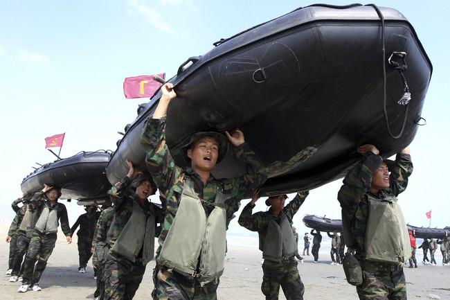 Armadni cviceni v Jizni Koreji