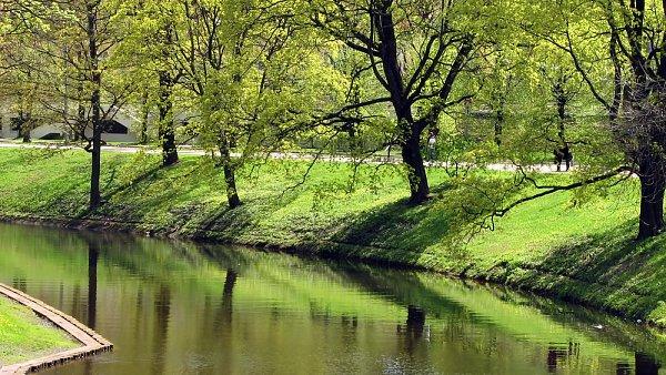 Kanál v lotyšské metropoli Rize