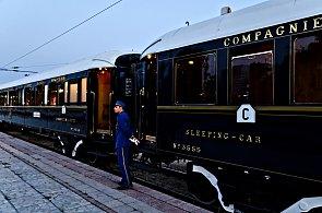 Jídelní vozy zmizí a střecha bude prosklená. Francouzi chystají Orient Express 21. století
