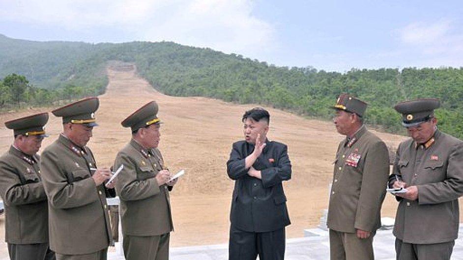 Kim Čong-un na inspekci náhorní plošiny, kde bude lyžařský areál