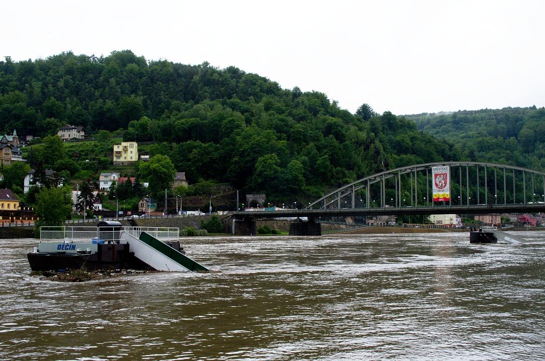 Aktuální situace v Děčíně v Ústeckém kraji. Město ležící na soutoku řek Labe a Ploučnice má problémy kvůli hrozícím záplavám.