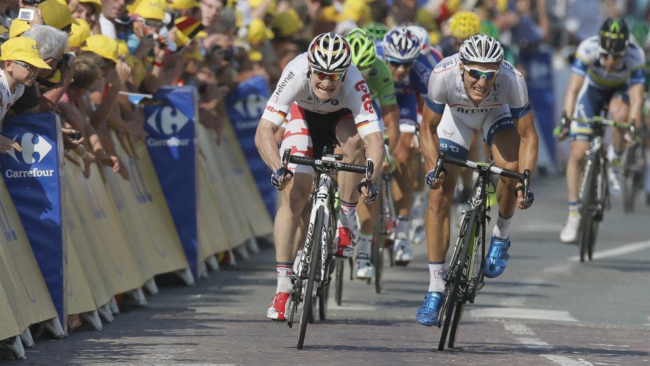 Marcel Kittel (vpravo) a André Greipel ve spurtu 10. etapy Tour