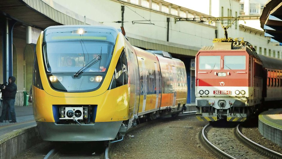 058-04-vlaky-precpano-Pha-Ova-1.jpg
