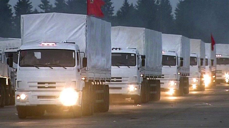 Konvoj ruské humanitární pomoci pro Ukrajinu vyrazil na cestu.