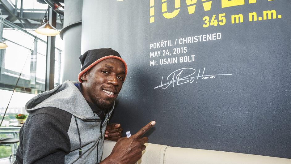 Sprinter Usain Bolt pokřtil svým podpisem nástavbu Vysoké pece v ostravských Vítkovicích