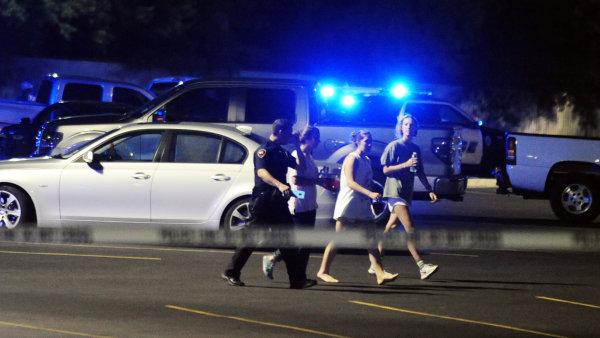 Podezřelý střílel nejméně na třech různých místech – ilustrační foto.