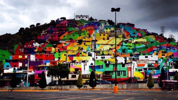 Um�lci p�esprejovali �tvr� v Mexiku na obrovsk� graffiti. Cht�j� tak bojovat proti kriminalit�