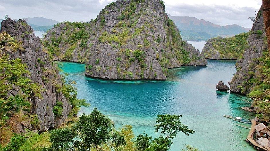 Filipínské pláže jsou proslavené především románem Pláž od Alexe Garlanda.