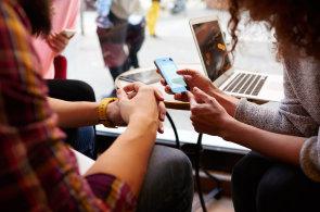 Tři lži mobilních operátorů a zástupců ministerstva průmyslu o mobilním trhu v Česku
