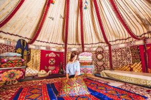 Do Kazachst�nu za rozlehl�mi pl�n�mi, architekturou a bohatou histori�. Prohl�dn�te si ta nejkr�sn�j�� z�kout�