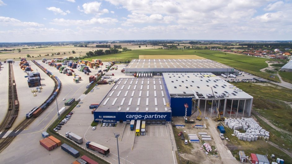 Rozšíření logistického centra Cargo-partner v Dunajské Stredě má být dokončeno koncem léta 2016.