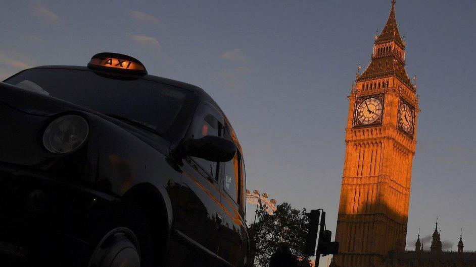 big ben londyn parlament velka britanie