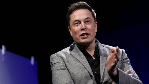Tesla Elona Muska je nejhodnotnější automobilkou v USA.