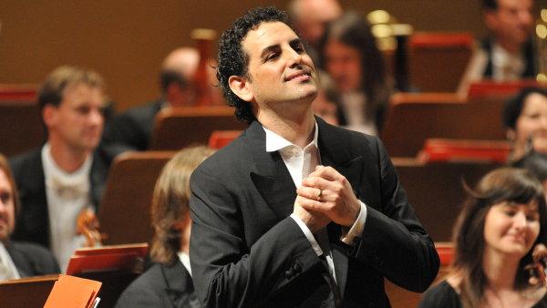 Juan Diego Flórez v české metropoli poprvé zpíval roku 2009 na festivalu Pražské jaro v doprovodu PKF - Prague Philharmonia.