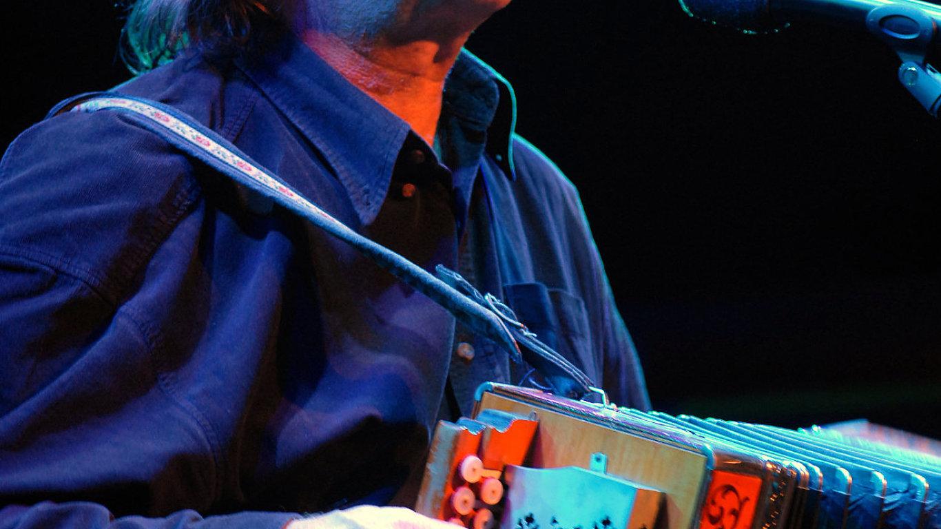 Jaromír Nohavica je na snímku z koncertu v Londýně roku 2008.
