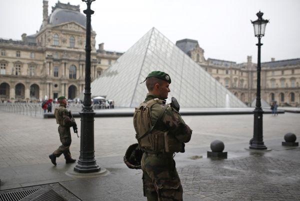 Francie, volby, voják