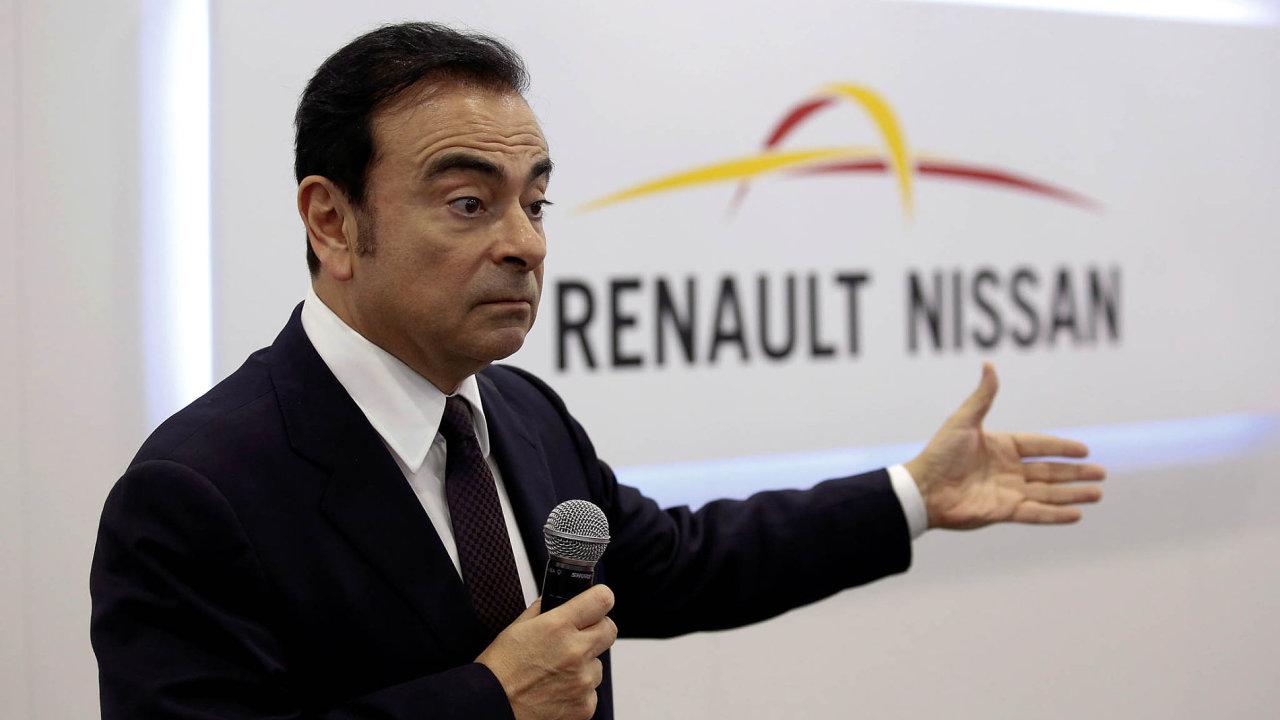 Carlos Ghosn šéfuje alianci Renault-Nissan, nově největší automobilové firmě světa podle počtu prodaných vozů.