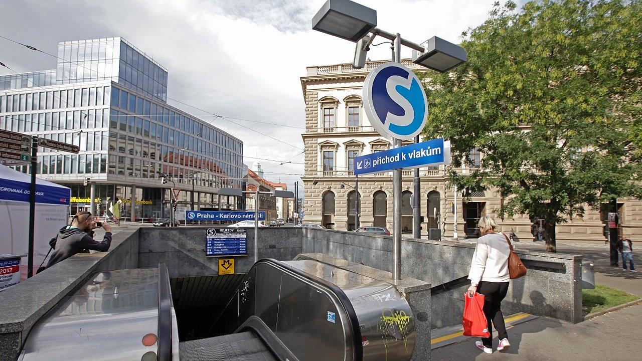 Takhle by vypadal vstup na novou železniční zastávku, která by na Karlově náměstí v budoucnu mohla vzniknout.