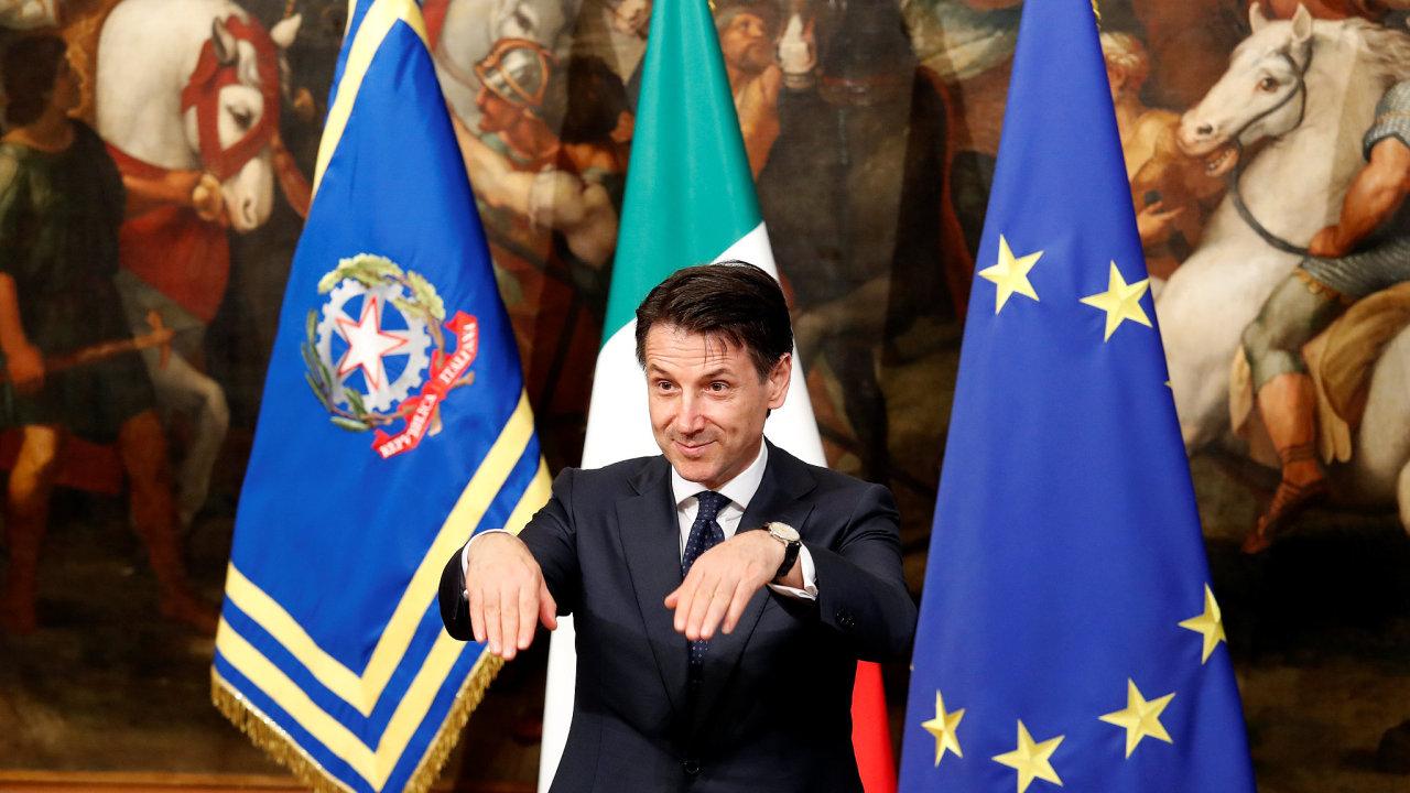 V Itálii složila přísahu nová vláda populistických stran.