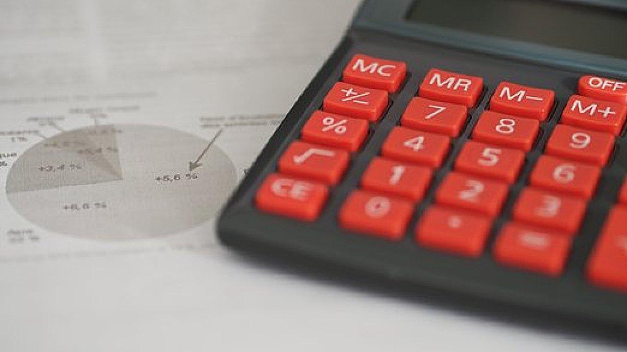 Bankovnictví a pojišťovnictví – opravdu jsou zde vysoké platy a dostatek zájemců o práci? ilustrace