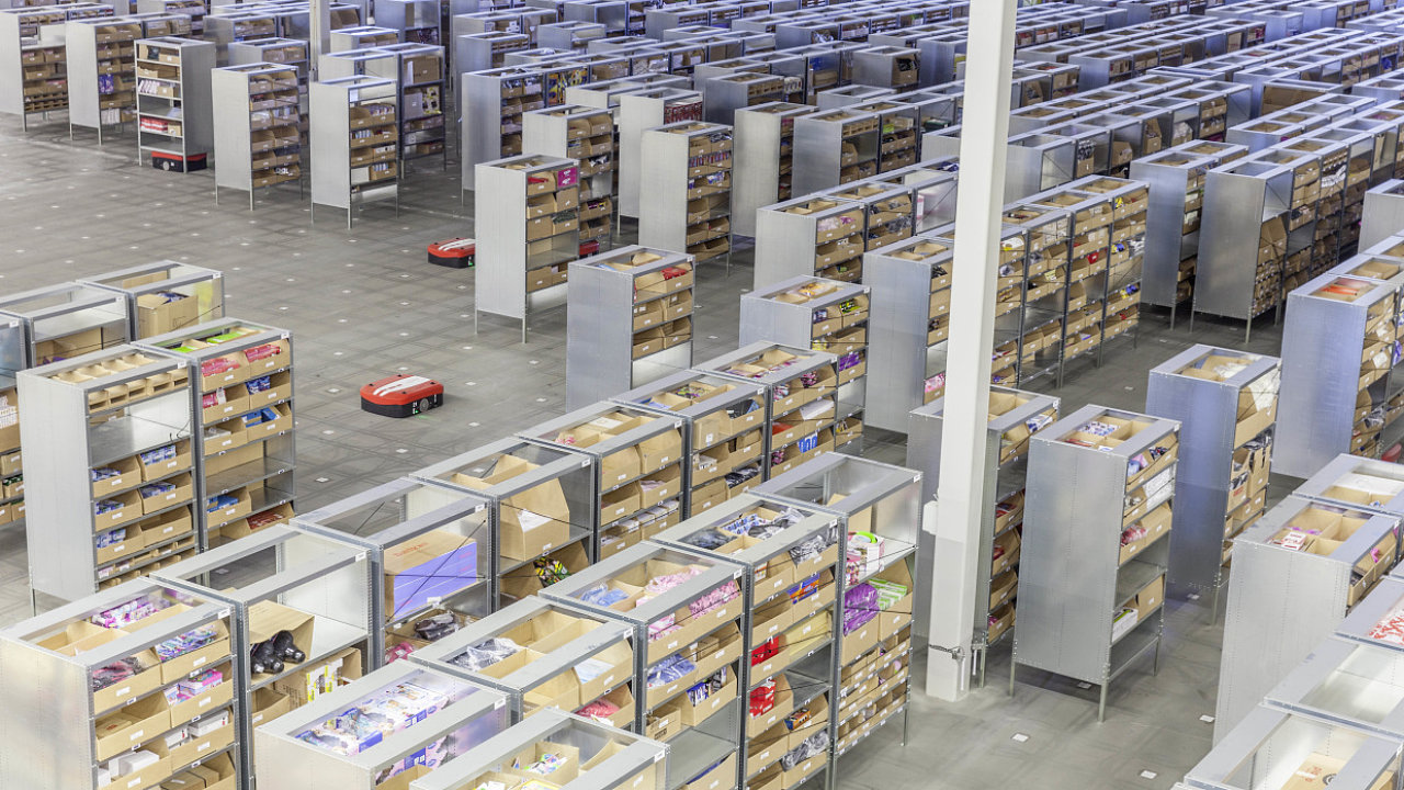 Roboti nasazení v logistickém centru Arlandastad.