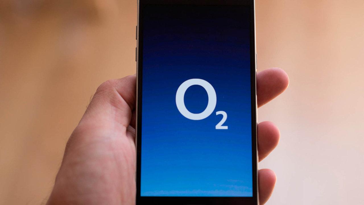 Akcie telekomunikačního operátora O2 reagovaly na zprávu o vyřazení z indexu MSCI poklesem.