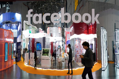 """Facebook testuje nezobrazování počtu """"lajků"""" u příspěvků."""