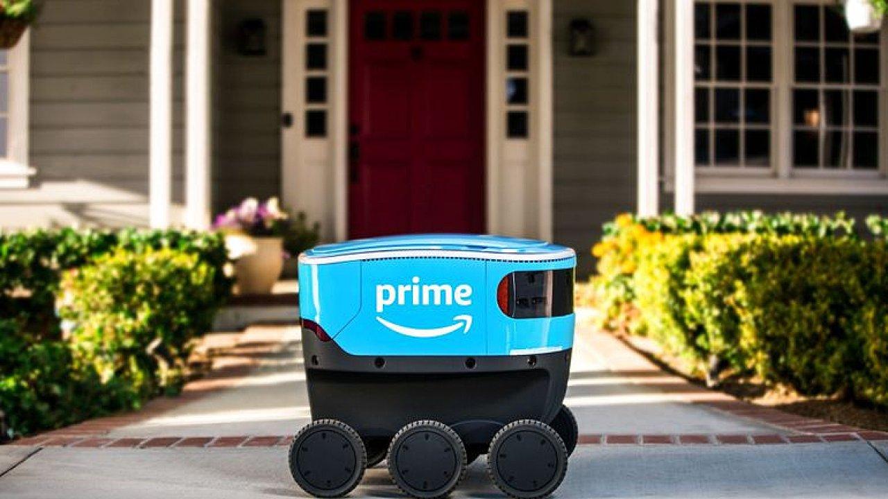 Amazon testuje nové autonomní vozítko pro přepravu zboží.