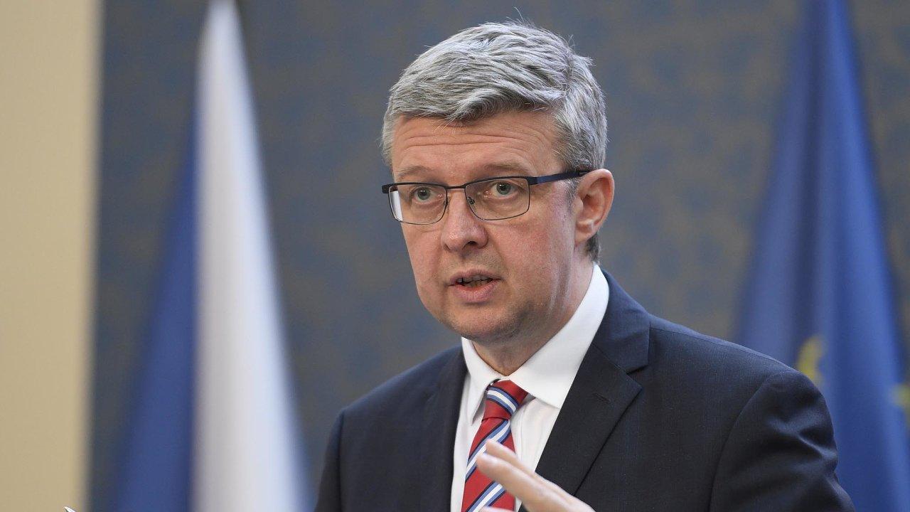 Balíček ladíme: Ministr průmyslu Karel Havlíček hodlá představit desítky zjednodušení byrokracie pro nejmenší podnikatele.