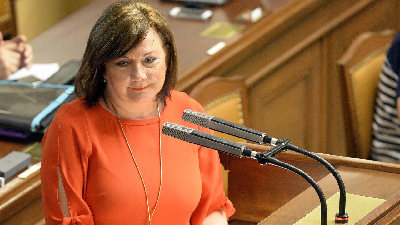Miliardy nebudou. Zdaněním hazardních výher získá ministryně financí Alena Schillerová devětkrát méně, než původně plánovala.