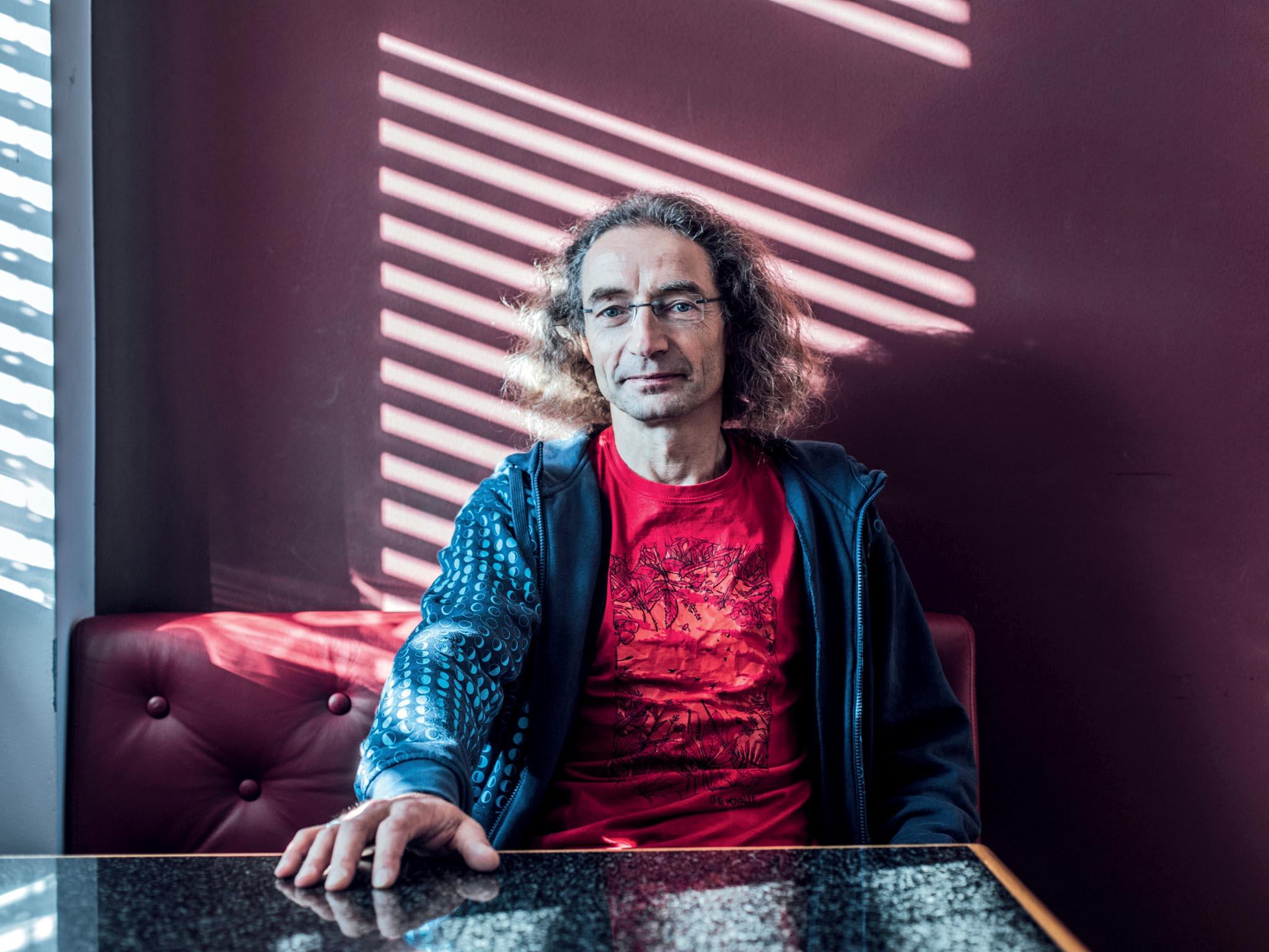 Fyzikální chemik, profesor Pavel Jungwirth