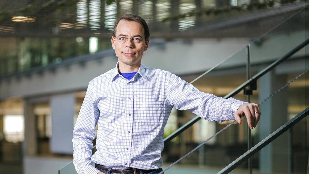 Aleš Zíb (45) veskupině ČSOB působí odroku 2000. Postupně pracoval narůzných pozicích voblasti strategických projektů, financí asprávy aktiv.